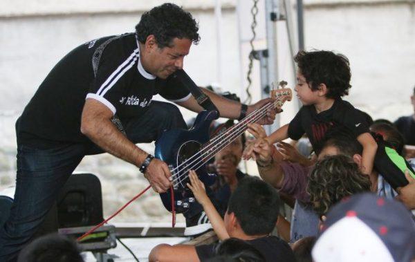 Los Patita de Perro rockean a favor de Juchitán