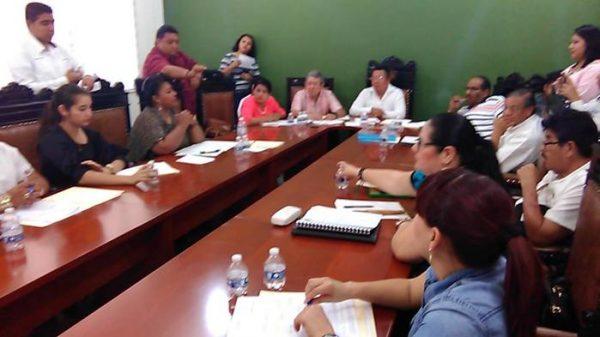 En sesión de cabildo, concejales exhiben su ignorancia sobre ley municipal