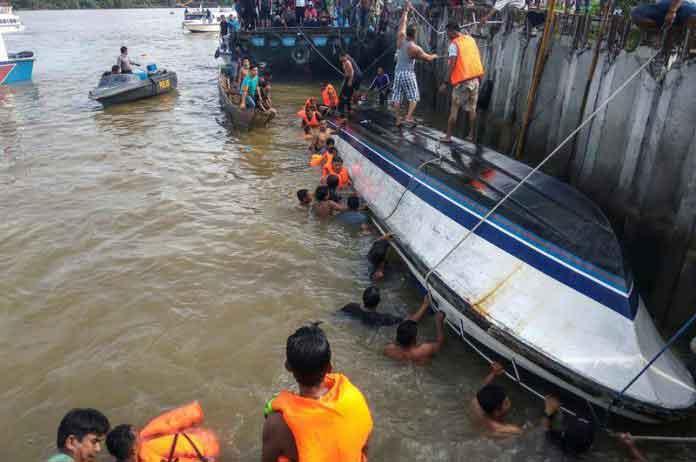 Dos naufragios en Indonesia dejan 15 muertos y 20 desaparecidos