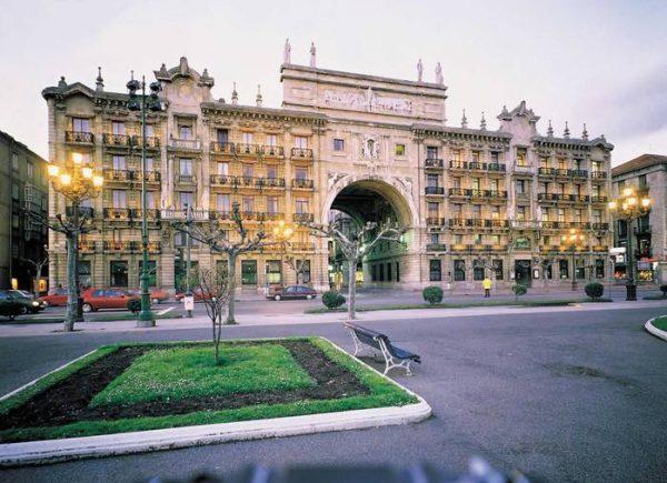 La sede histórica del Santander se convierte en museo de arte