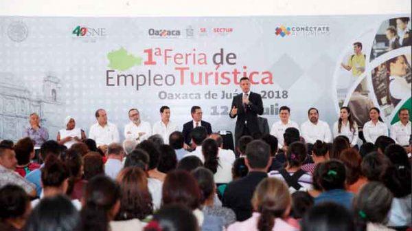 Inauguran Alejandro Murat y Roberto Campa  Primera Feria de Empleo Turístico en Oaxaca