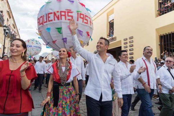 """Desbordan alegría delegaciones participantes en la octava del """"Lunes del Cerro"""""""