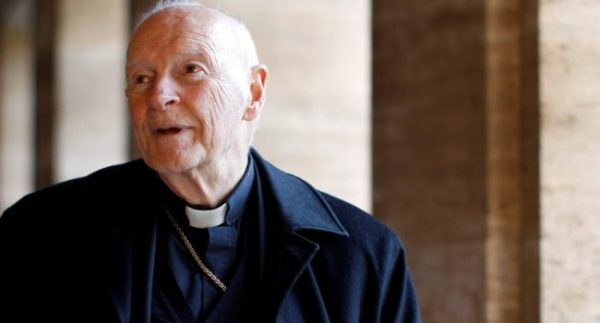 Papa Francisco suspende al cardenal McCarrick, acusado de abuso sexual