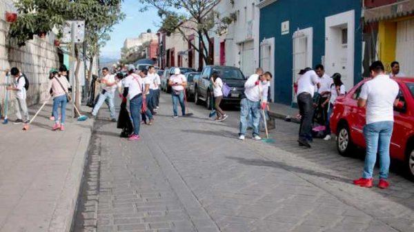 """Realizan """"Tequio por Oaxaca"""" en vísperas de la Guelaguetza"""
