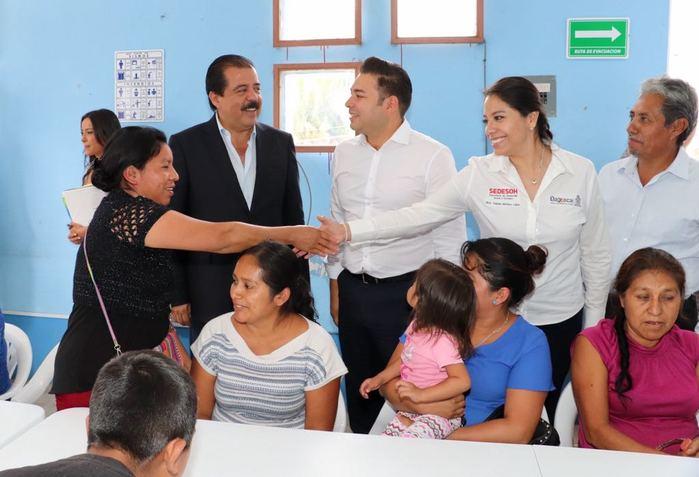 Verifican Sedesol y Sedesoh funcionamiento del comedor comunitario de Rancho Nuevo, uno de los 250 instalados en Oaxaca