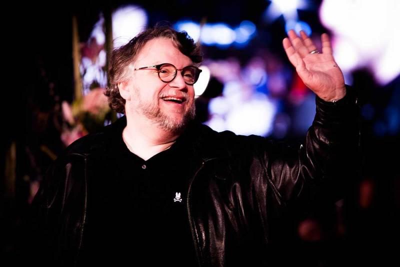 Divertida respuesta de Del Toro al ser señalado creador de mascota de Lobos BUAP