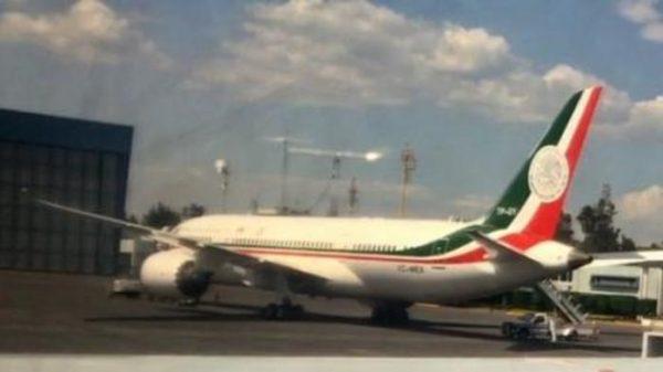 Avión presidencial presenta falla antes de viaje a Cumbre
