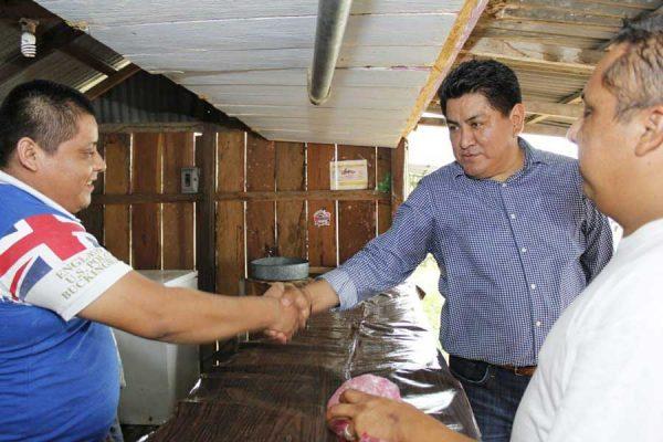 Irineo Molina realiza gira de agradecimiento