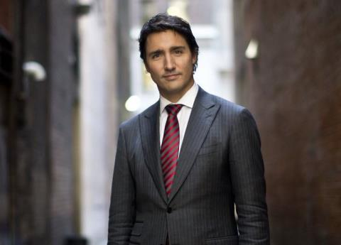 Acusan a Trudeau de acoso sexual en un concierto; él lo niega