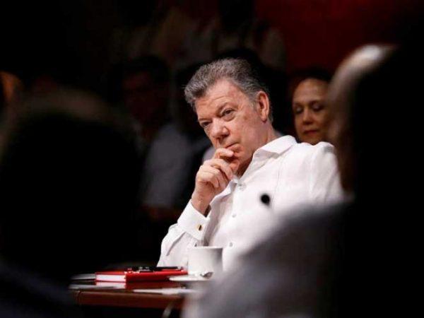 Tengo cosas más importantes que hacer, responde Santos a Maduro