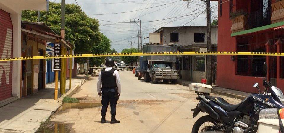 Familiares de joven baleado denuncian falta de atención en hospital general de Tuxtepec