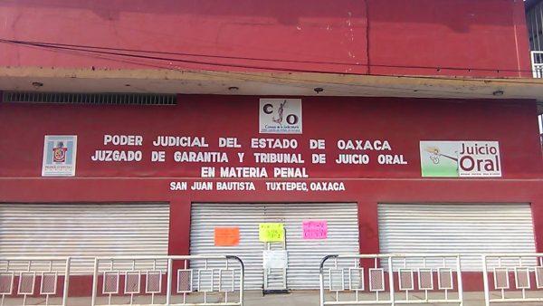 Sindicalizados liberan oficinas del juzgado de garantía en Tuxtepec