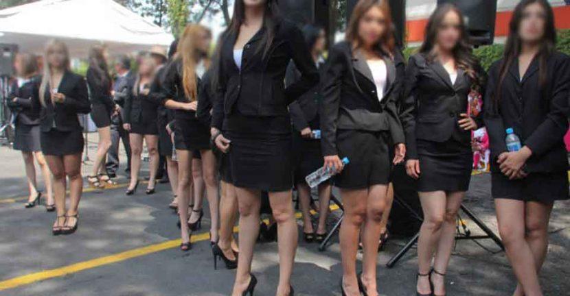 CDMX prohíbe el uso decorativo de mujeres en actos políticos