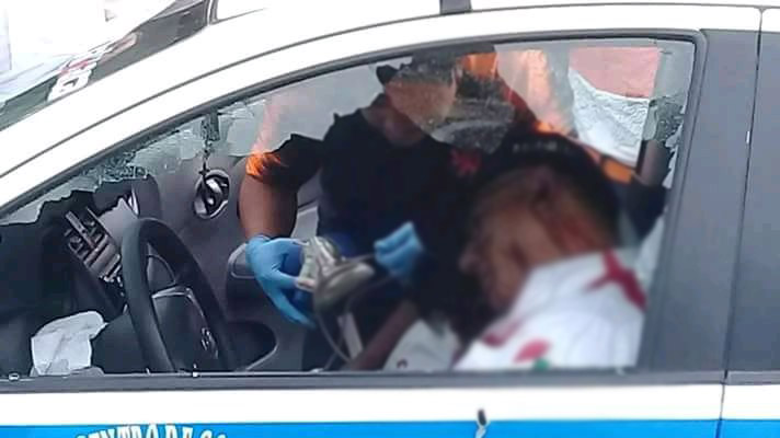 Atentan contra líder de taxistas esta grave, mataron a su chófer a balazos
