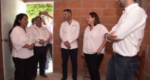 Entregan AMH, Fuerza México y Fundación Construye viviendas en Unión Hidalgo