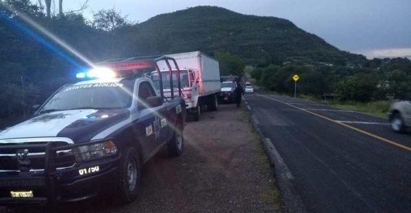 12 detenidos que transportaban a más de 100 inmigrantes en Huajuapan