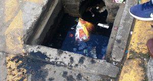 Acepta Dirección de Agua potable responsabilidad sobre la alcantarilla abierta en Independencia