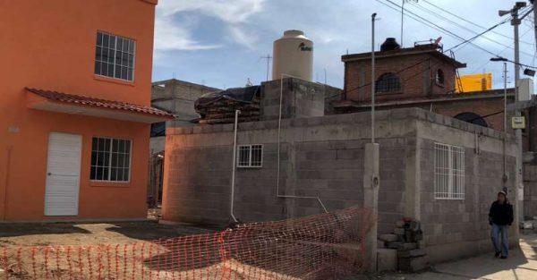 Damnificados denuncian fallas en casas donadas por Slim