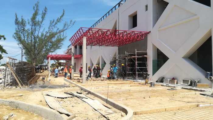 Avanza en tiempo y forma reconstrucción del Hospital General de Juchitán