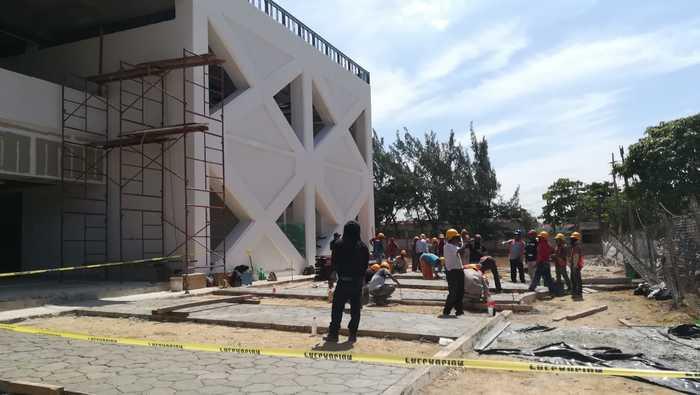 Avanza en tiempo y forma reconstrucción del Hospital General de Juchitán (8)