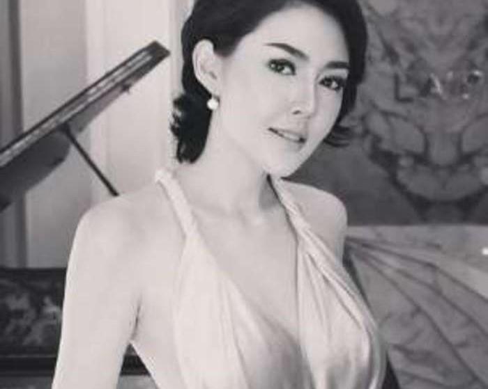 Modelo tailandesa se suicida en clínica estética