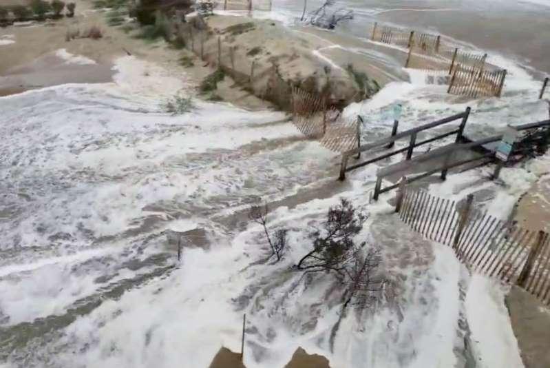 Florence deja fuertes lluvias en Carolina del Norte