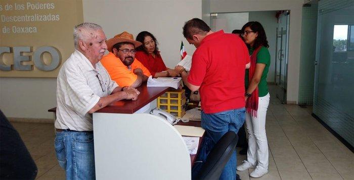 Se fractura burocracia en Oaxaca; surge nuevo sindicato