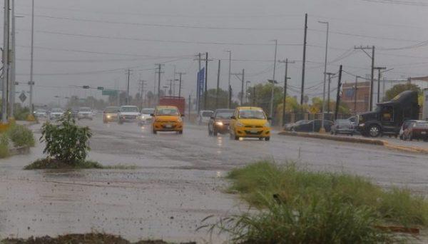 Ante efectos de fuertes lluvias se suspenden clases en municipios del Istmo: IEEPO