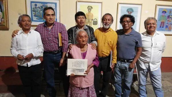"""Presenta Carmen Javier """"Manos que Sueñan"""" en la capital"""