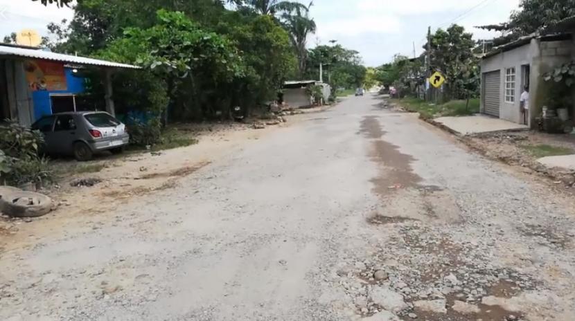 A semanas de concluir con el cargo realiza SCT rehabilitación de carretera 182