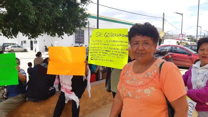 Habitantes de la Guelatao, demandan servicios básicos para su colonia