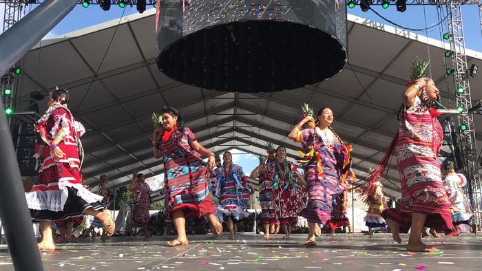 Muestra Oaxaca su Guelaguetza en ciudad Nezahualcóyotl