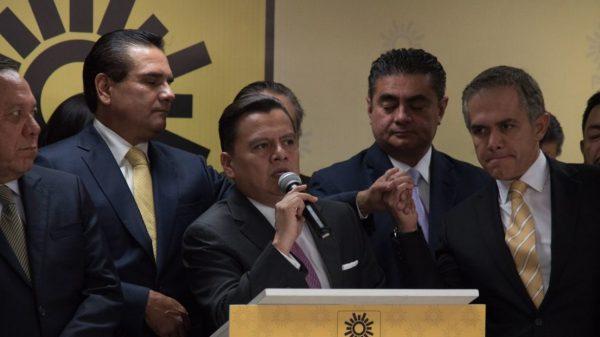 Manuel Granados renuncia a presidencia del PRD