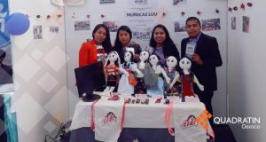 Jóvenes crean muñeca para rescatar lengua mixteca