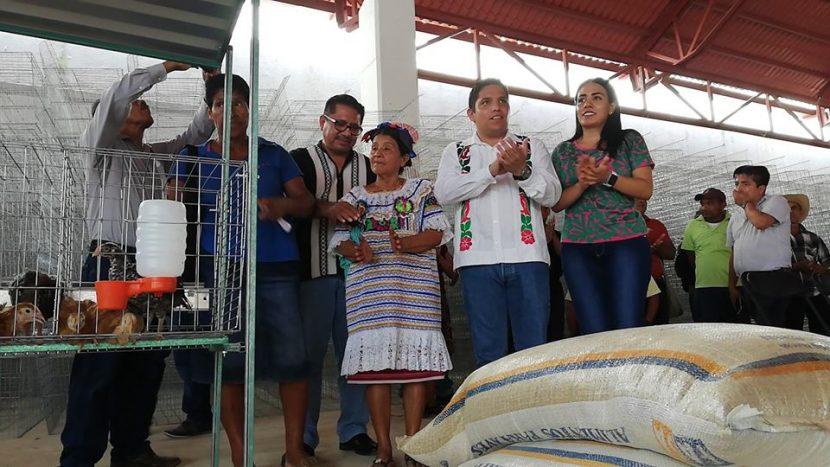 Entrega edil 3 mdp en paquetes tecnológicos a más de 600 Jalapeños