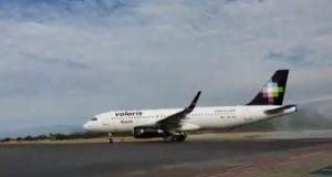 Llega primer vuelo de Guadalajara a Puerto Escondido