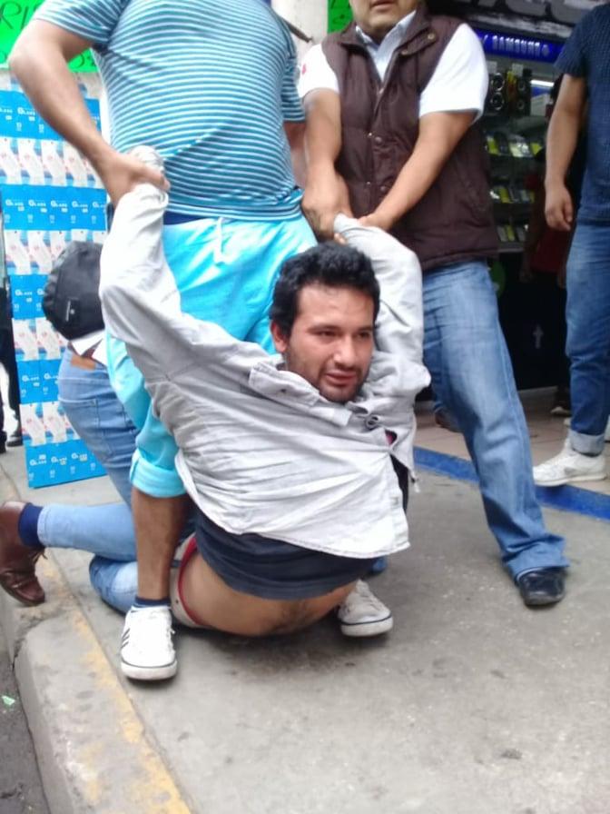 Intentan linchar a presunto ladrón en calles del centro histórico de Oaxaca