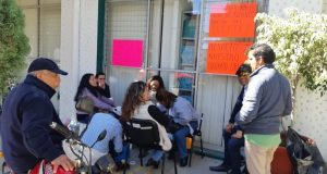 Trabajadores de CECyTE toman edificio sindical, exigen pago de aguinaldo