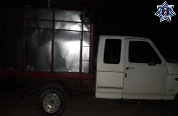 Asegura Policía Estatal más de 3 mil litros de hidrocarburo  en dos camionetas abandonadas en el Istmo
