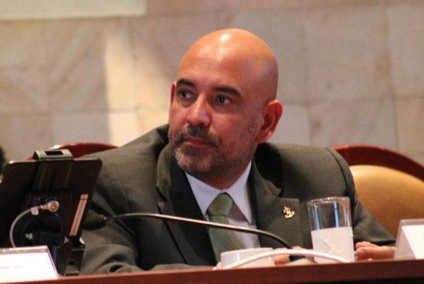 Diputados locales arremeten contra el titular de la SSPO durante comparecencia