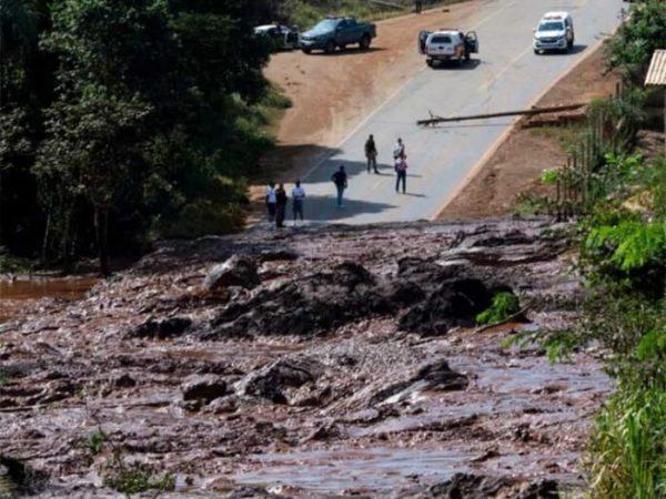 Colapso de presa en Brasil deja 9 muertos y 300 desaparecidos