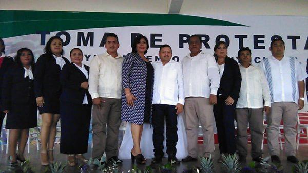 Tras 11 años de gobierno izquierdista en Loma, toma posesión Raymundo Rivera por el PRI
