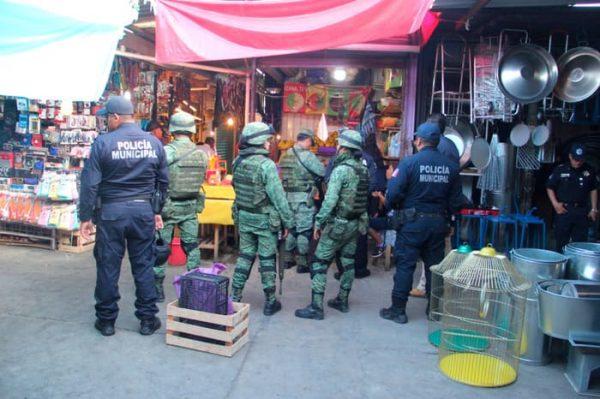 Ejército y Policía Municipal realizan operativo  de proximidad en el Mercado de Abasto