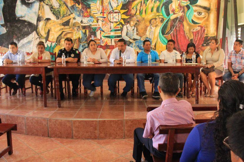 Presidente de Chiltepec sostiene reunion con autoridades educativas y delegada regional de programas sociales