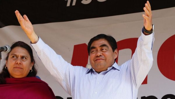 Barbosa contenderá de nuevo por gubernatura de Puebla