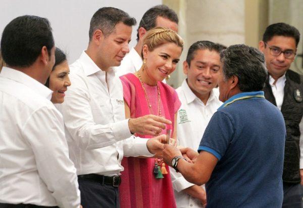 Gobierno de Alejandro Murat respalda y une a las familias  de los migrantes oaxaqueños