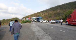 Bloquean paso a Veracruz por el Istmo