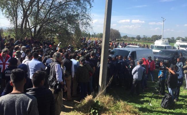 Familiares de víctimas impiden traslado de cuerpos en Tlahuelilpan