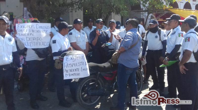 Policías viales exigen ser recontratados por nuevo presidente en Juchitán