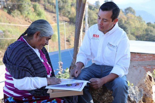En dos años IEEA alfabetiza a más de 19 mil oaxaqueños